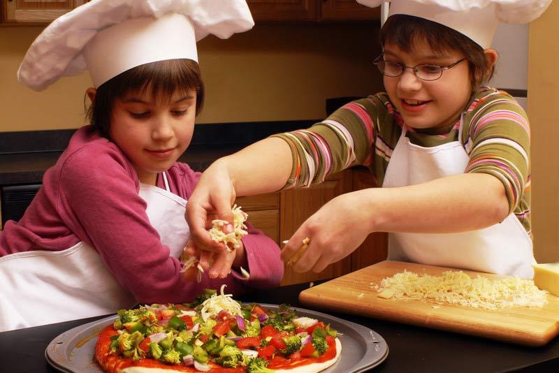 تهیه پیتزای خانگی