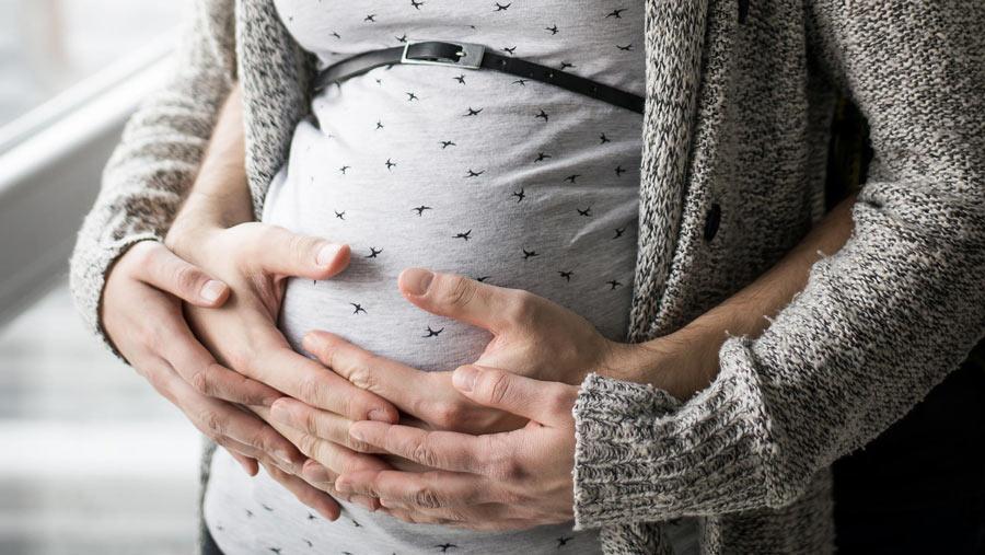 تنبلی تخمدان و بارداری