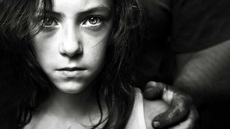 آزار جنسی در کودکان